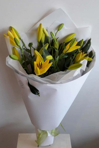 YELLOW LILY MODERN BOUQUET